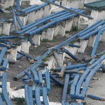 Работы на «Динамо» все еще не начались (ФОТО разгромленного стадиона)
