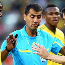 Назначены арбитры на полуфиналы Чемпионата Мира в ЮАР