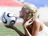 Женщины, футбол, 8 Марта и…