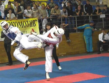 Смотреть В Киеве прошел ежегодный турнир по тхэквондо на Кубок Посла Республики Корея-2017 видео