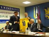 Добкин и Кернес возглавили областную федерацию футбола