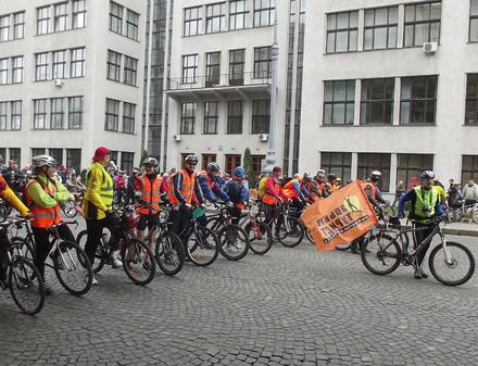 В воскресенье центр Харькова заполнят тысячи велосипедистов. Программа Велодня