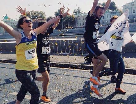 На марафоне в Москве напали на спортсменку в украинской футболке