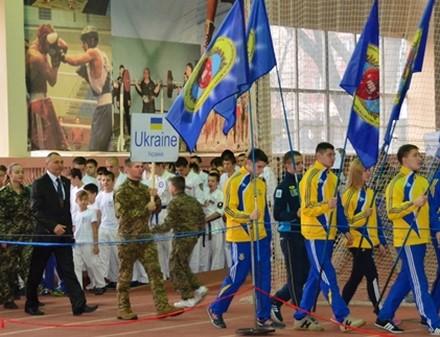 В Харькове прошел чемпионат по военно-спортивному многоборью