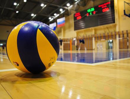 Молодежь из волейбольного «Локомотива» досрочно вышла в квартет финалистов