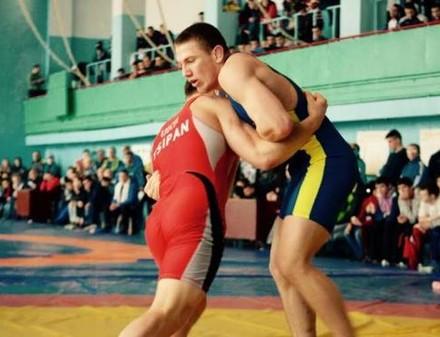 Харьковский борец приедет из Болгарии с отметиной на шее