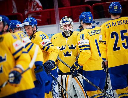 Хоккейным чемпионом стала Швеция