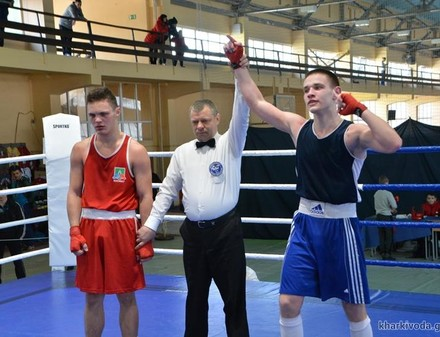 Харьковские юниоры победили на чемпионате Украины по боксу