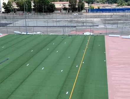 В Харькове началась укладка газона на полях Детской футбольной академии «Металлиста»